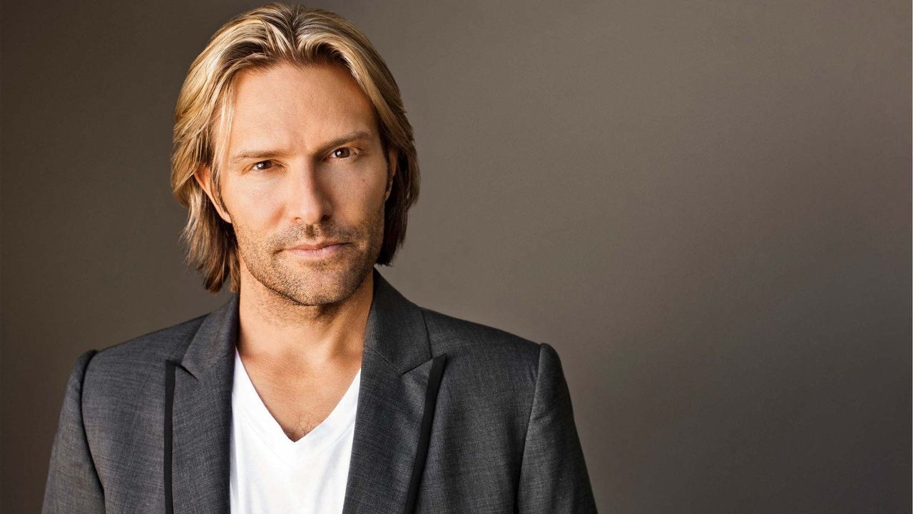 PCM32 - Eric Whitacre (c) Marc Royce