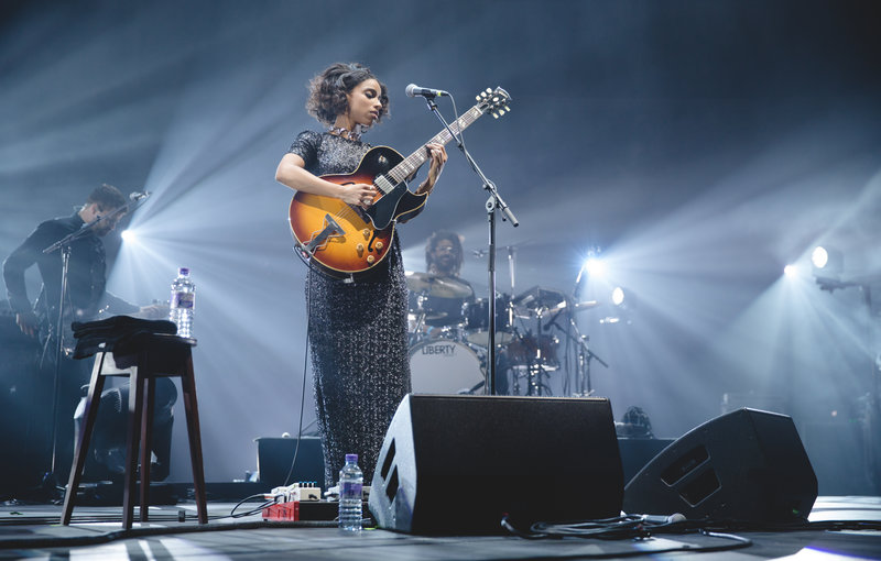 In Pictures Lianne La Havas Shines As She Takes Centre Stage In