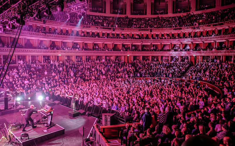 Chvrches, Royal Albert Hall 31 March 2016 (c) Christie Goodwin
