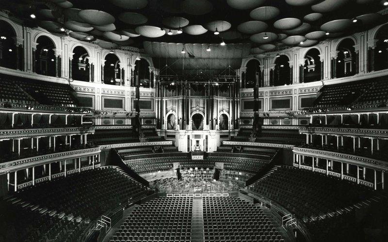jpg(1990s Auditorium