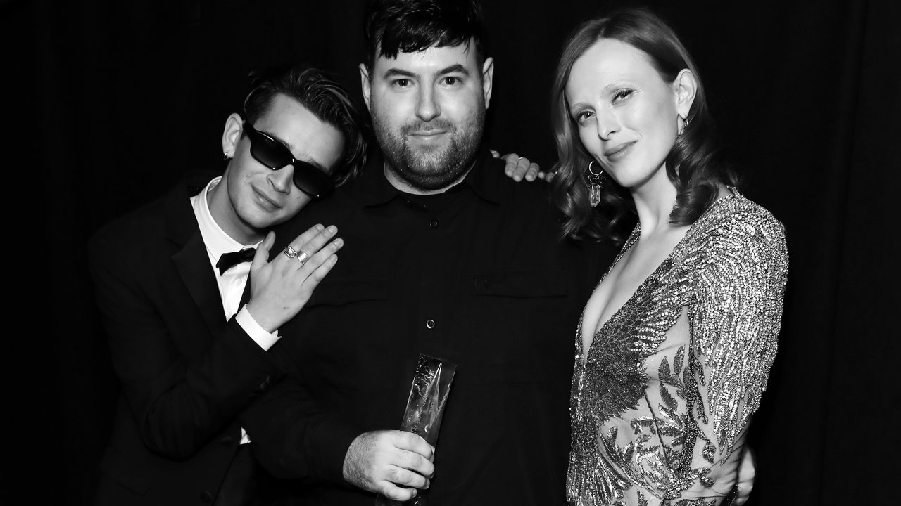 LONDON, ENGLAND - DECEMBER 10: (L-R) Matthew Healy, Richard Quinn and Karen Elson backstage during The Fashion Awards 2018 In Partnership With Swarovski at Royal Albert Hall on December 10, 2018 in London, England. (Photo by Darren Gerrish/BFC/Getty Images)