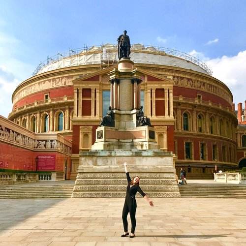 Lauren in front of the Royal Albert Hall