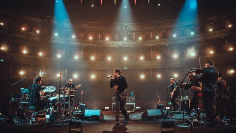 Pictures and reactions: Niall Horan plays in an empty Royal Albert Hall